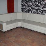 Re-klädsel av möbler i Polen Stettin